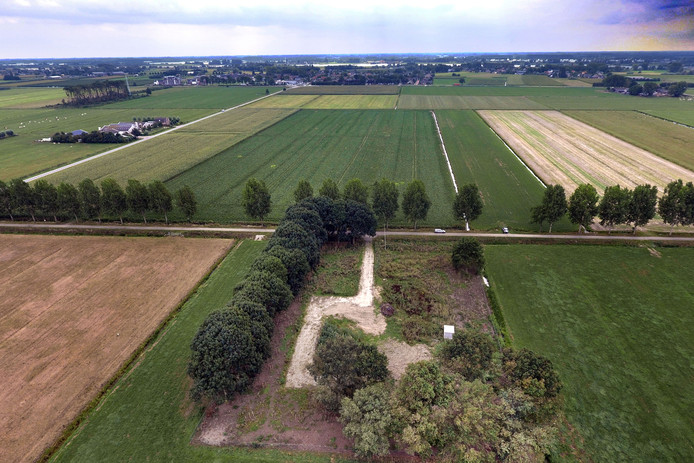 De plek aan de Broekgraaf waar de radar - als het aan Defensie ligt - moet komen.