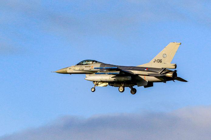 Een van de theorieën voor de knal: een F16 op oefening.