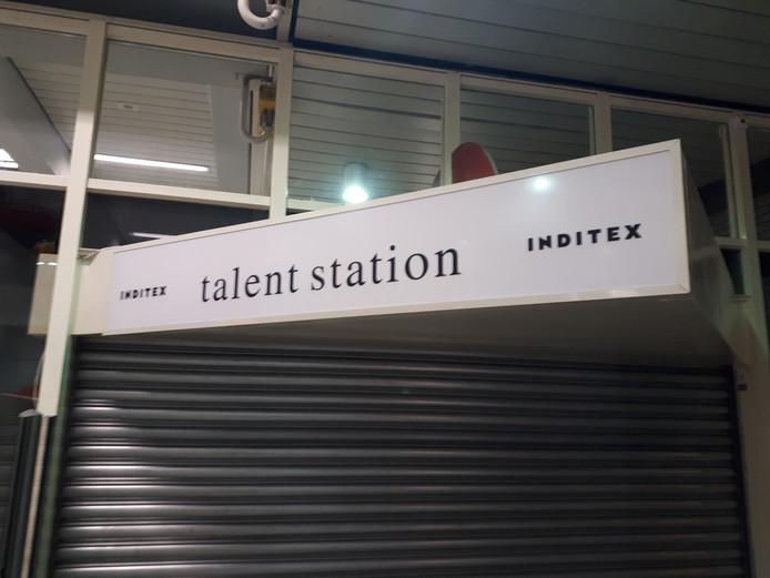 De nog niet geopende 'wervingswinkel' op station Lelystad.