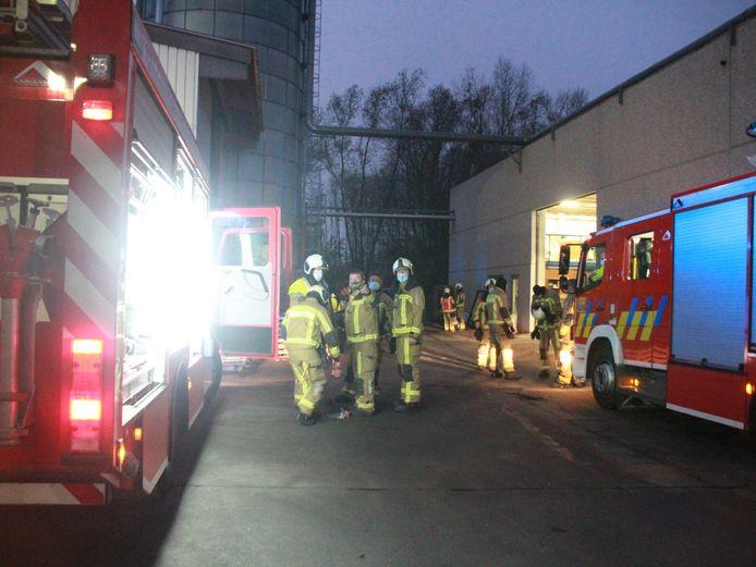 De brandweer rukte massaal uit naar het bedrijf Woninbouw Dewaele