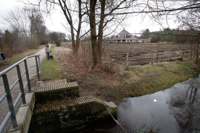De Koningsbeek kruist het huidige fietspad op de voormalige spoorlijn. (Archief)
