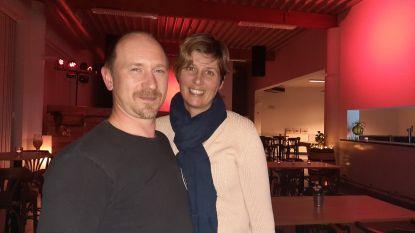 BarToutCourt bouwt feestzaal om tot gezellige bar