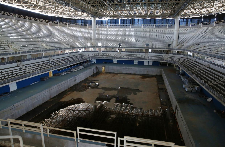 Het zwemstadion dat werd gebruikt voor de Spelen in 2016 is tegenwoordig verlaten en leeg.