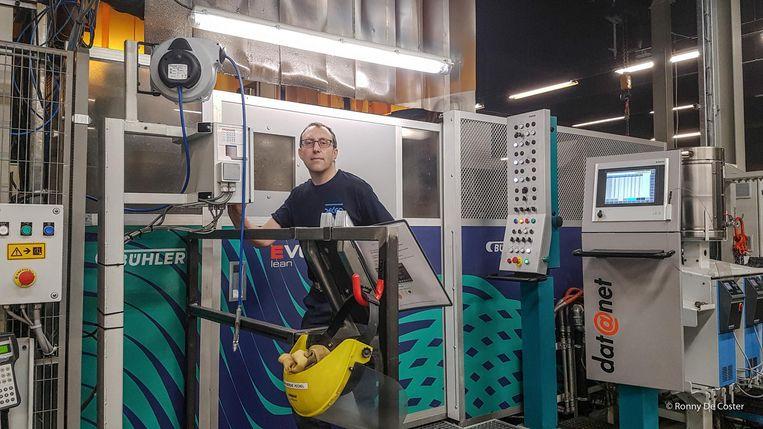 Jan Depraetere op zijn werkplek. Hij werkt nu al enkele maanden bij Pedeo.
