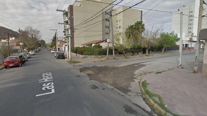 De gehuurde Chevrolet Classic stond geparkeerd op deze straathoek in de stad Salta.