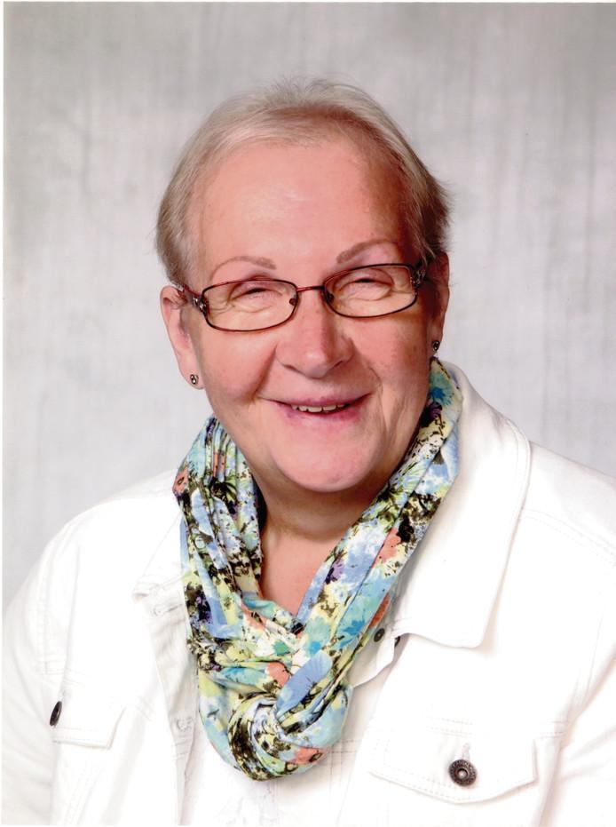 Antoinette Schoot Uiterkamp was altijd bereid om hulp te verlenen voor de medemens. Nu staan de vrijwilligers van de afdeling Salland Midden van het Rode Kruis massaal klaar om haar laatste wens in te willigen.