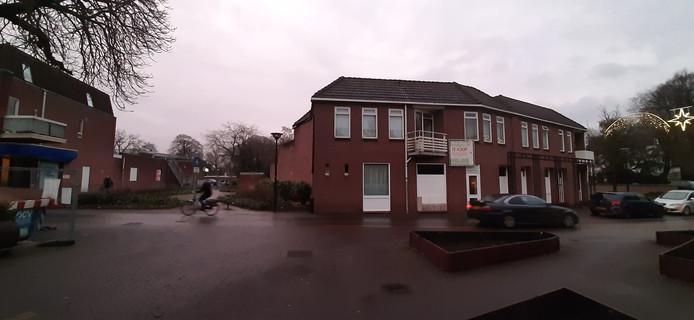 Bibliotheek naar de voormalige super aan het Lage Blik: betere entree.