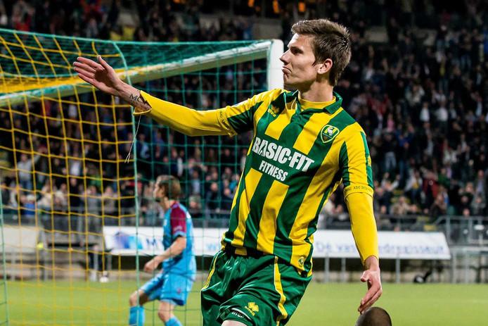 Michiel Kramer in het shirt van ADO Den Haag.