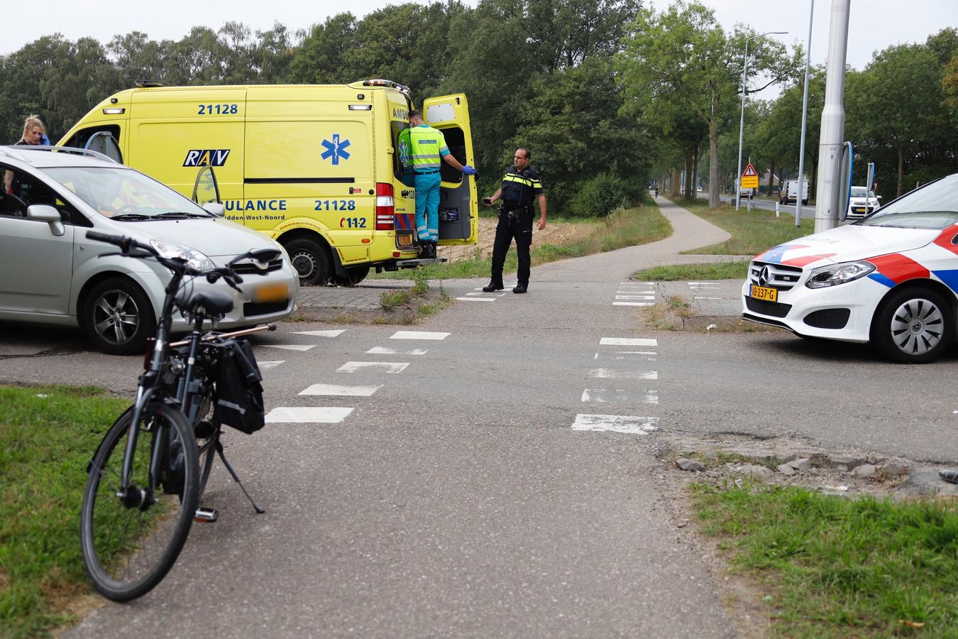 Een fietser is gewond geraakt Bij een botsing op de N321 in Escharen.