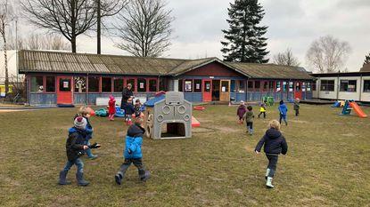 Bouw kleuterschool loopt maanden uit