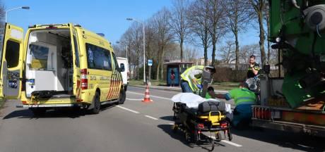 Fietsster gewond na ongeluk in Breda, vrachtwagenchauffeur biedt hulp