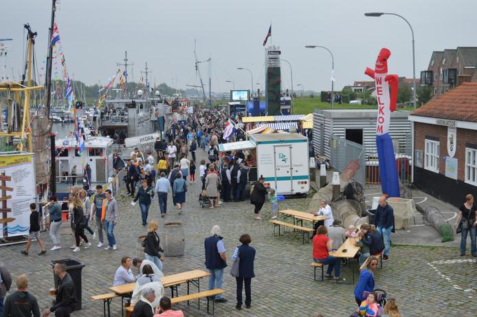 Volop volk tijdens de Havendagen in Tholen.