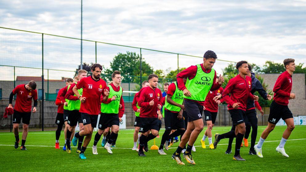 Ontdek wanneer jouw favoriete club de trainingen hervat en welke oefenmatchen volgen