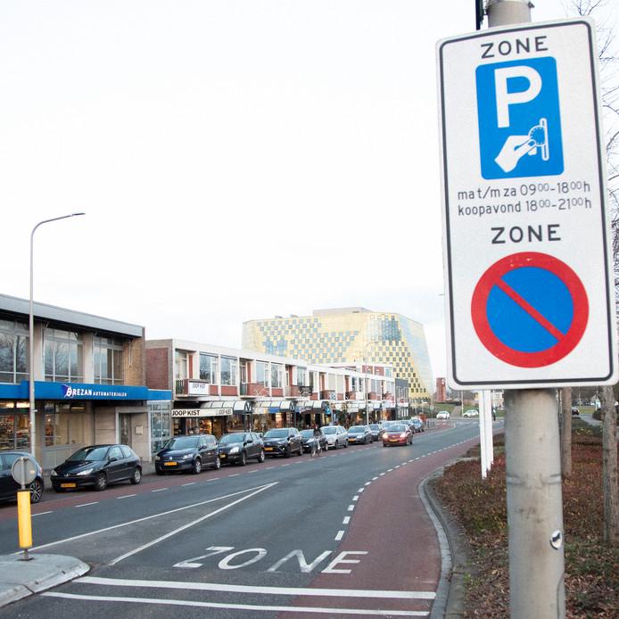 Het huidige parkeerbeleid in Hardenberg wordt het komende jaar grondig onder de loep genomen.