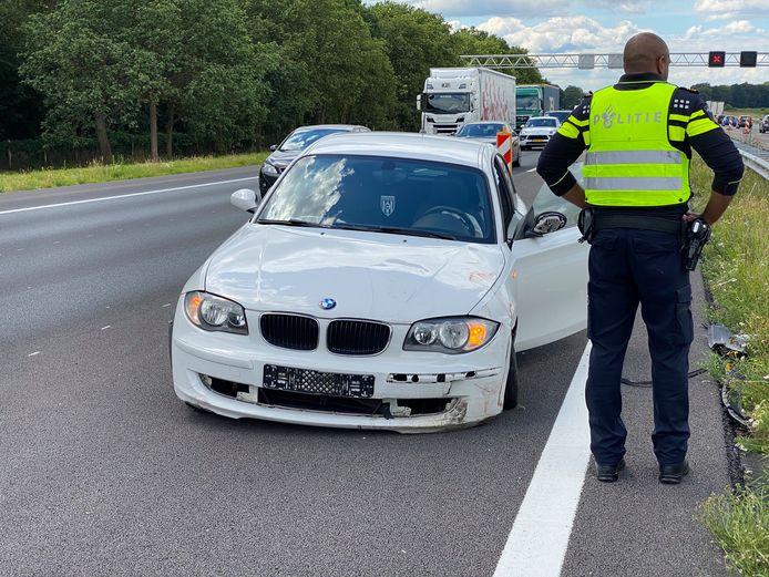 Een auto was vanmiddag betrokken bij een aanrijding op de A1 bij Bathmen.