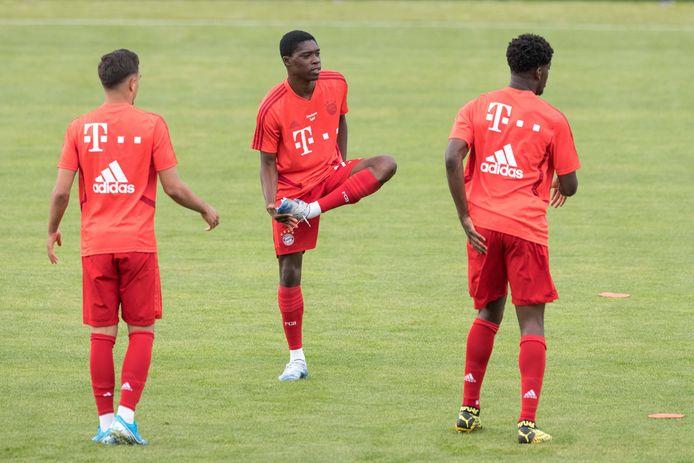 Bayern München zou graag zien dat Derrick Köhn (m) en Kwasi Wriedt (r) het seizoen afmaken, al staan ze bij de laatste twee duels formeel al onder contract bij Willem II.