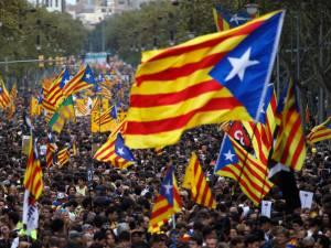 Manifestation monstre des indépendantistes catalans à Barcelone