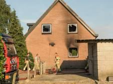 Woning aan Wijkersloot tussen Cothen en Wijk bij Duurstede door brand verwoest
