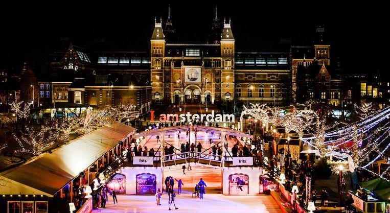 Schaatsbaan en kerstmarkt op het Museumplein Beeld anp
