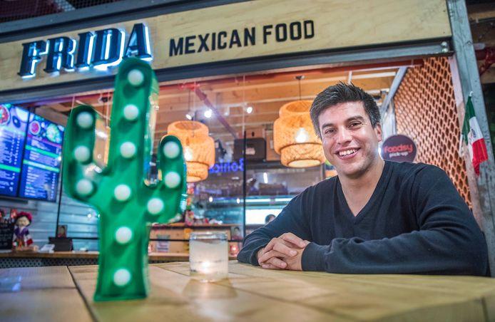 Razende reporter Daniel Reyes weet waar je in Nederland de beste taco's haalt: in de Foodhallen in DenHaag.