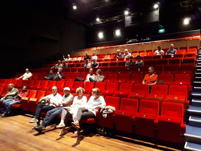 Dertig bezoekers in de Rabozaal van De Lievekamp in juni.