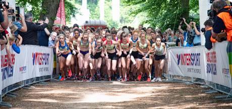 Duizenden vrouwen lopen Marikenloop door Nijmegen
