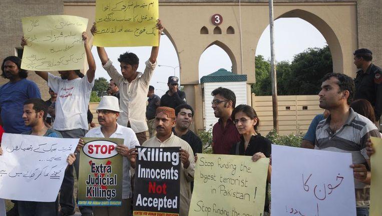 Protesten na de moord op de journalist Saleem Shahzad. Beeld reuters