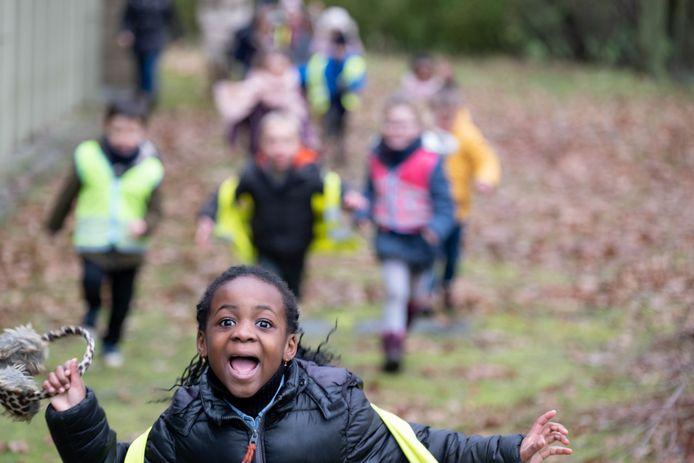 PUURS Leerlingen GO! basisschool 't Kasteeltje wandelen voor het goede doel