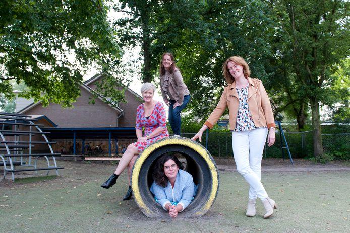 Anuska Zandvelt (boven), Claudia Diepstraten (links), Karin Olislagers (rechts) en Stephanie Verkerk (onder) kunnen niet wachten om hun onderwijsdroom werkelijkheid te laten worden.