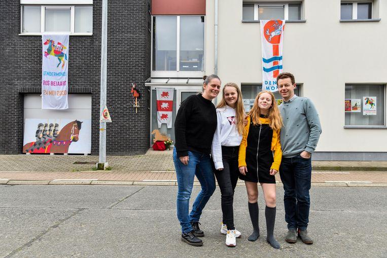 Reinout Remmery en zijn gezin laten hun liefde voor het Ros Beiaard duidelijk merken.