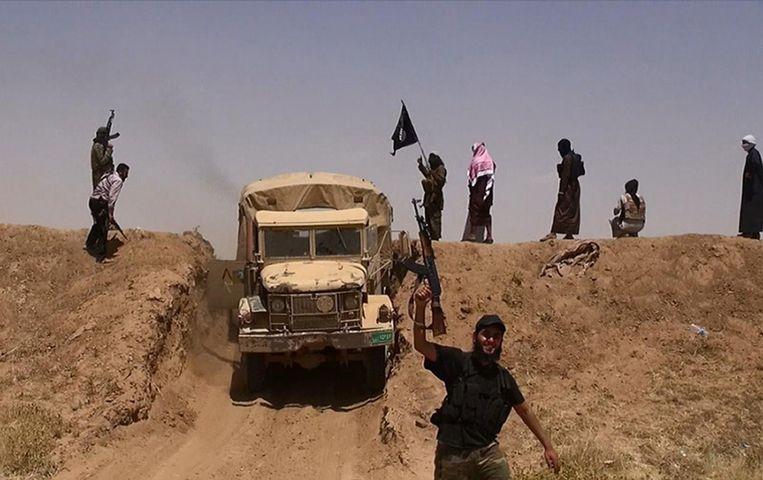 De CIA schat dat IS tussen de 20 en 30 duizend strijders heeft die maandelijks betaald moeten worden. Beeld anp
