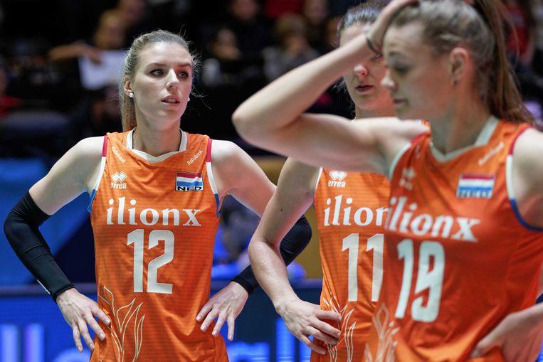 Teleurstelling bij Britt Bongaerts van Oranje na het verlies in de halve finale tegen Duitsland tijdens het olympisch kwalificatietoernooi volleybal.  Beeld ANP