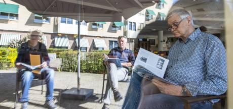 Oud-voetballer Jan Meijer (74) van de Eibergse Boys laat met Pasen oude tijden herleven