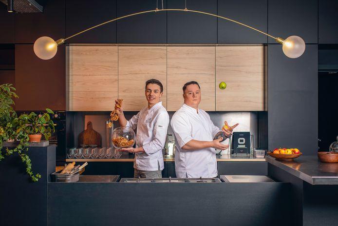 """Mallory Gabsi et Maxime Zimmer, les deux candidats belges de cette onzième saison de """"Top Chef""""."""