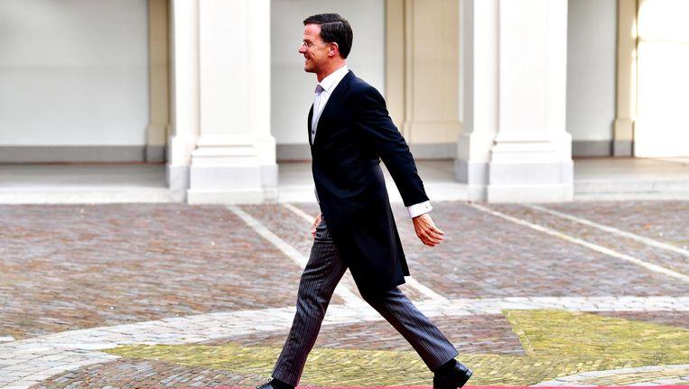 Premier Mark Rutte tijdens de aankomst van de bewindslieden voorafgaand aan de beëdiging van de ministers van het kabinet Rutte III. Beeld anp