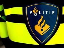 Jongen mishandelt vriendin en 'parkeert' auto tegen politiewagen in Eindhoven