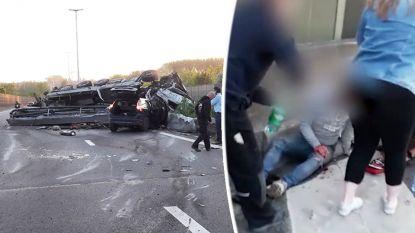 """Alberto (25) helpt trucker uit gekantelde vrachtwagen op E40: """"Op cabine gekropen terwijl er rook uit motor kwam"""""""