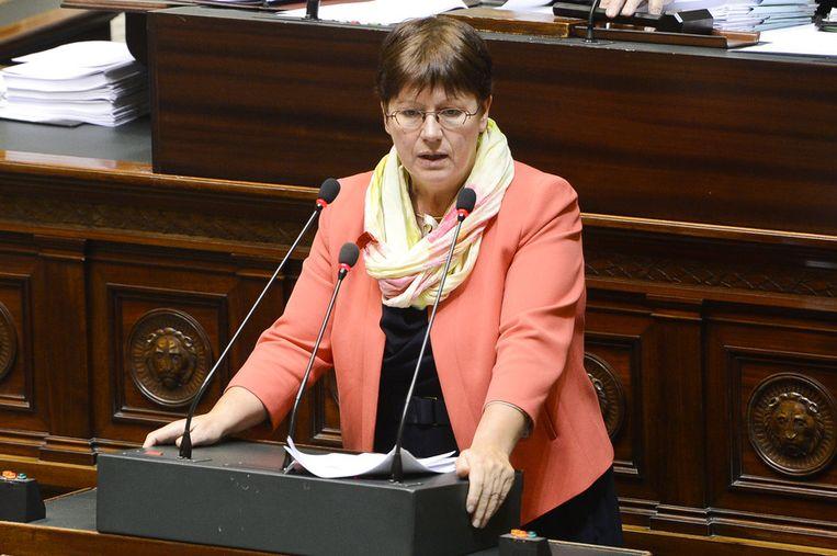 Het voorstel werd ingediend door Kamerlid Sonja Becq (CD&V).