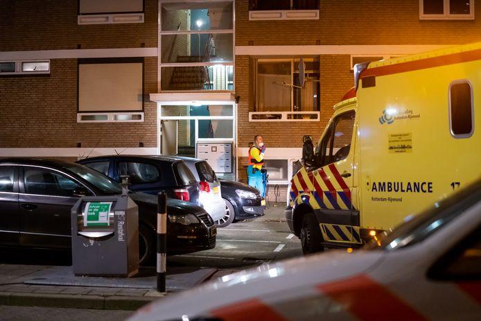 Het slachtoffer werd in een portiek neergeschoten.
