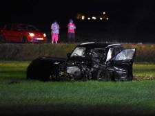 Twee doden (18 en 17) en zwaargewonde bij frontale botsing in Drenthe