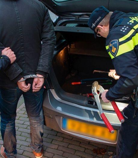 Acht aanhoudingen in Vught, Best en Rotterdam na bedreiging op camping in Aalst in Gelderland