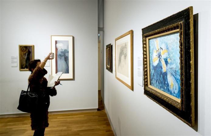 Expositie van Mondriaans bloemen in het Rijksmuseum. Foto: ANP