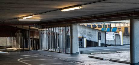 Eigenaar gesloten parkeergarage vraagt tijdelijke parkeerplekken op marktterrein Beestenmarkt