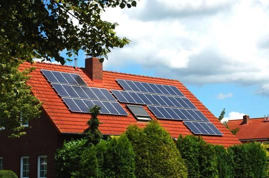 Tot de renovatiewerkzaamheden behoort eventueel ook de installatie van zonnepanelen.