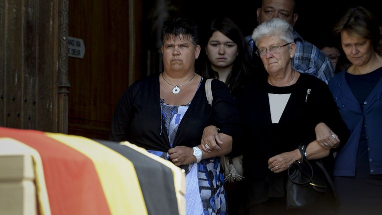 Celie Dehaene en haar familie op de begrafenis van Jean-Luc Dehaene. Beeld belga