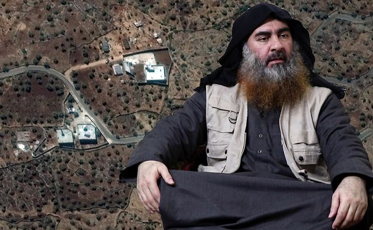 Een satellietbeeld van de vermoedelijke verblijfplaats van Baghdadi (rechts).