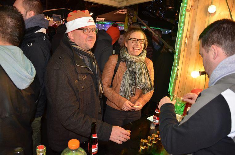 Op de Lokerse kerstmarkt kunnen verenigingen hun eigen kraampje uitbaten ten voordele van hun werking.