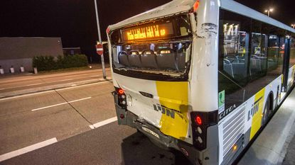 Acht gewonden nadat twee lijnbussen op elkaar knallen