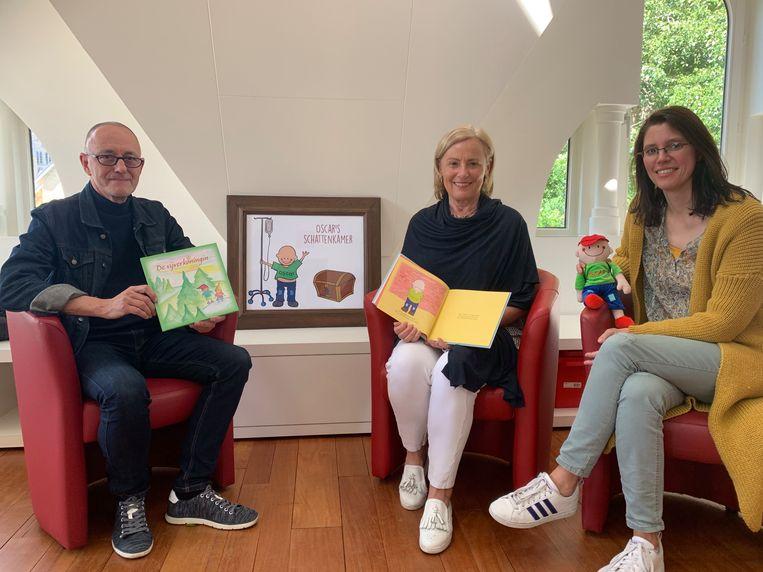 Raymond De Bruyne schreef het kinderboek 'De Vijverkonigin', Christine Henrist 'Oscar in Villa Rozerood'. Illustrator van dienst is Griet Bertels.