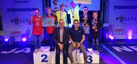 Basisschool De Linde uit Oldenzaal wint Rabo verkeersquiz